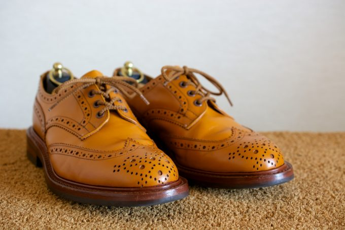 [Tricker's Bourton Acorn Antique]
